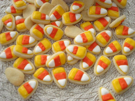 Mini #candycorn cookies for major munching!