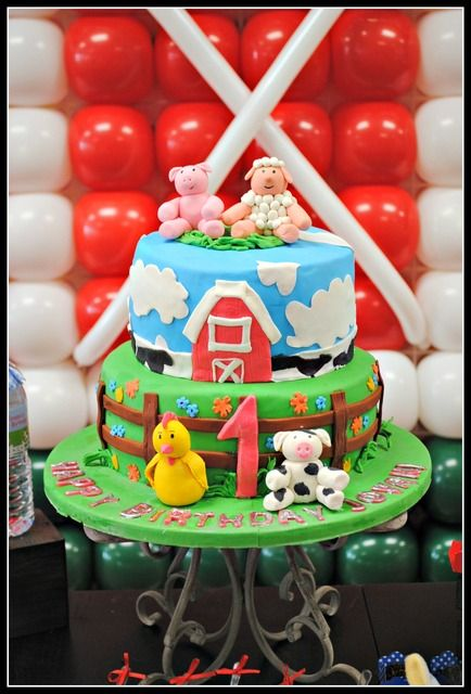 Adorable Cake At A Farm Party Farm Partycake