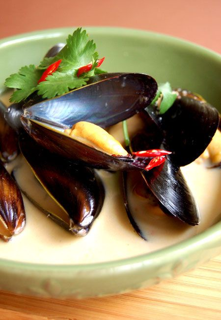 Thai Red Curry Mussels | Gotta Make this Food! | Pinterest