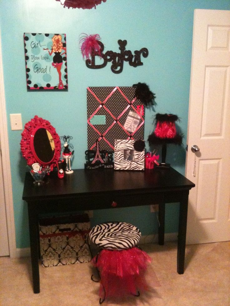 Pin by pink cleats on paris themed bedrooms pinterest for Fashionista bedroom ideas
