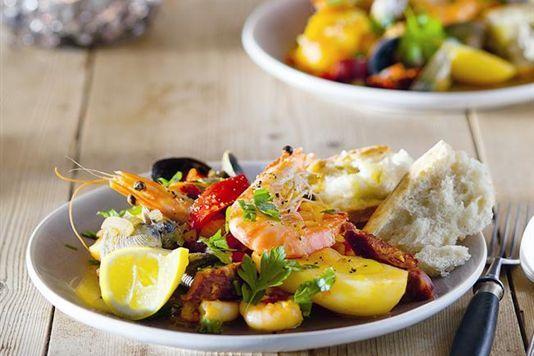 Garlicky prawn, clam and chorizo pot recipe