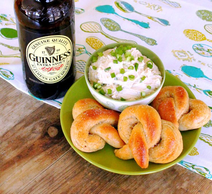 Addictive Guinness Cheddar Dip with quick and buttery homemade ...