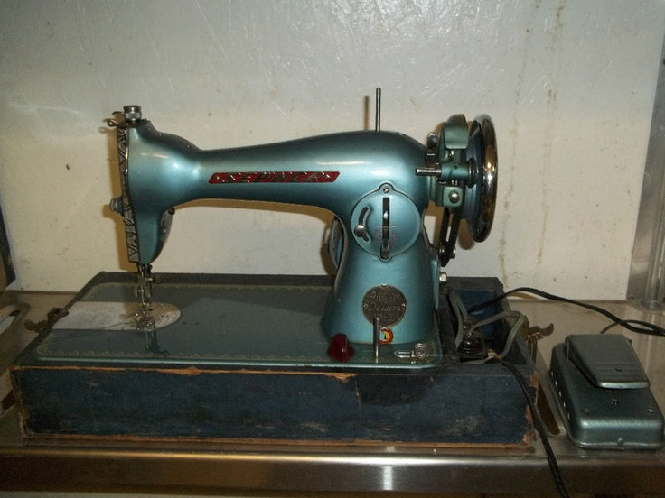 de luxe sewing machine serial numbers