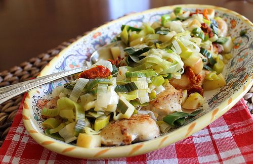 Chicken with leeks, apples and sun dried tomatoes by ...