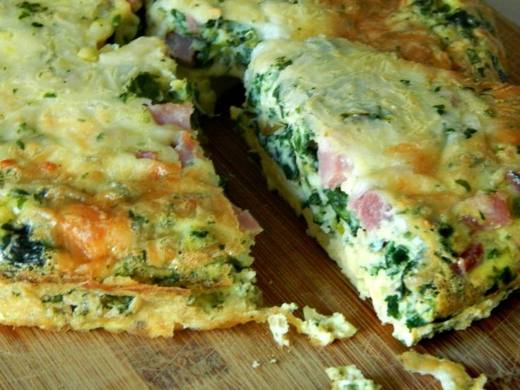 Crustless Spinach Quiche. Gluten-free and delicious!! Click through to ...