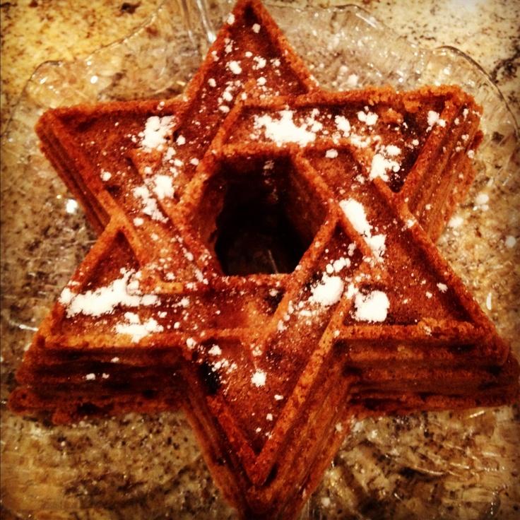 Best Jewish apple cake around town (my mom's recipe)