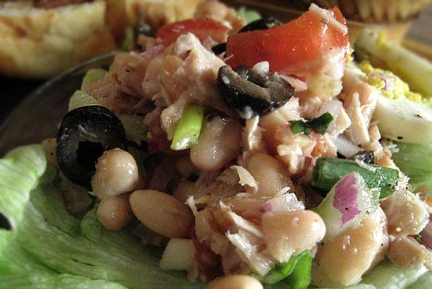 White Bean And Tuna Salad With Radicchio And Parsley Vinaigrette ...