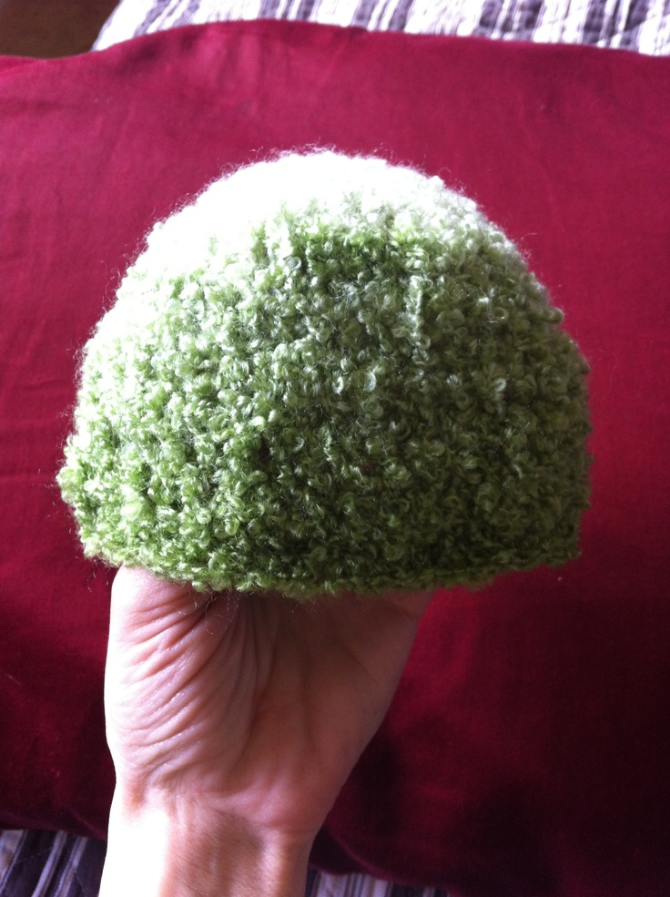 Crocheting In A Continuous Round : Soft baby beenie. Single crochet in continuous round.
