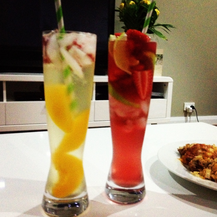 ... ice and strawberries in a blender add vodka lemonade and top with line