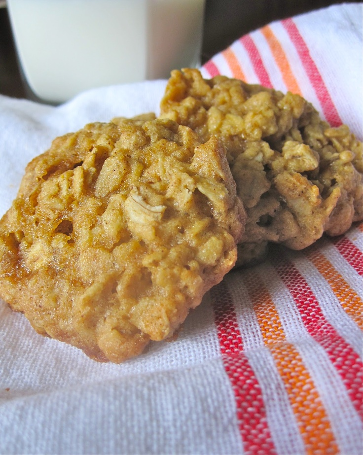 Maple-Cinnamon Oatmeal Cookies | Oodles of Cookies | Pinterest