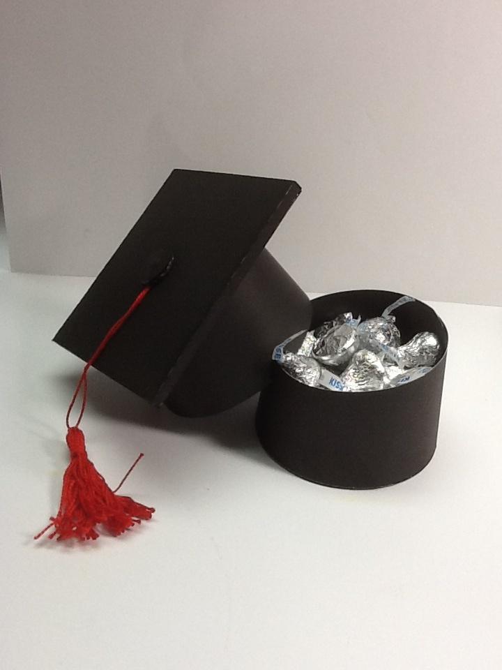 how to make a graduation cap box