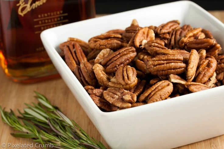 Bourbon Rosemary Pecans | Homemade Gifts from the Kitchen | Pinterest