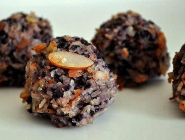 Blueberry Almond Macaroons | Desery i przekąski | Pinterest