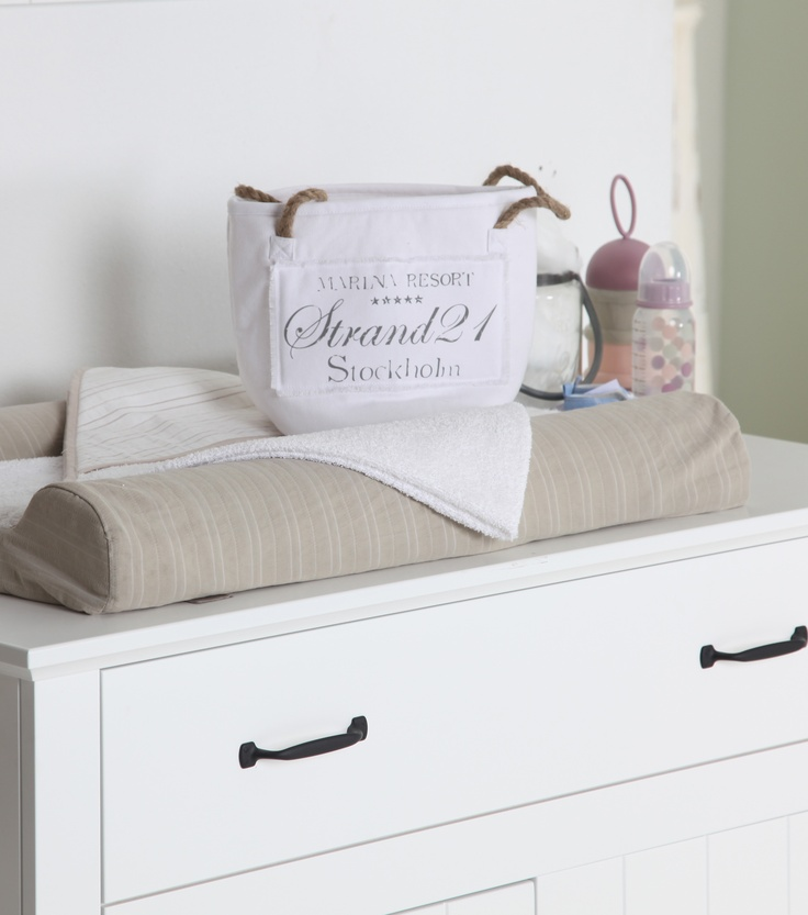 Decoratie babykamer commode pasteltinten #babypark