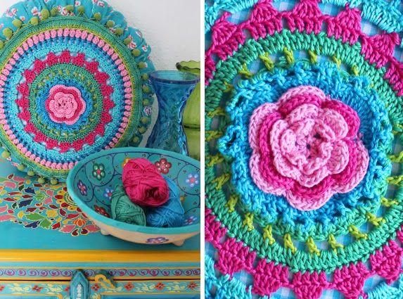 Crochet Bohème/Boho Hakeln (Cécile Balladino): Cushion. By Handwerkjuffie.