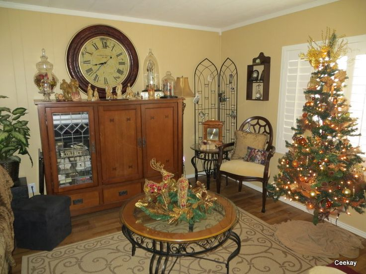 Manufactured Home Decorating: A Very Merry Double Wide