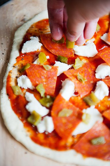 the roadrunner green chile and pepperoni pizza recipe | use real ...