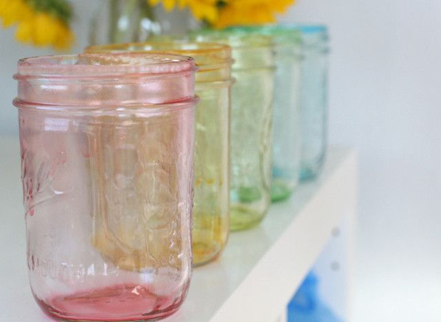 Make colorful Mason jars