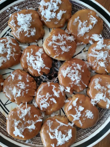 Caramel Cashew Cookies | food | Pinterest