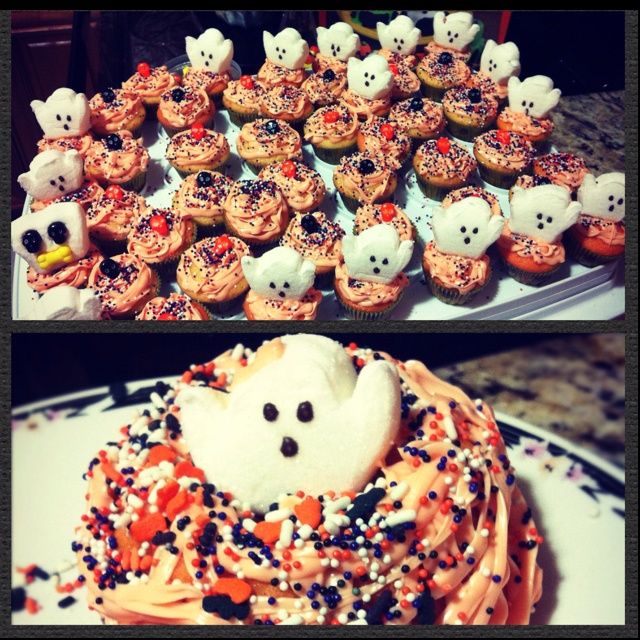 ... ghost cake and mini cupcakes recipes chocolate marshmallow ghost cake