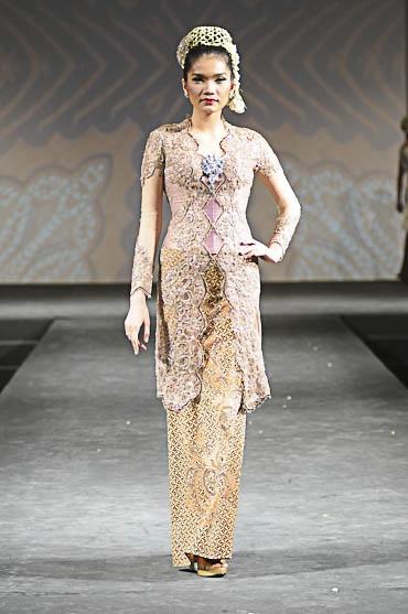 Ivan Gunawan | Baju Kebaya | Pinterest