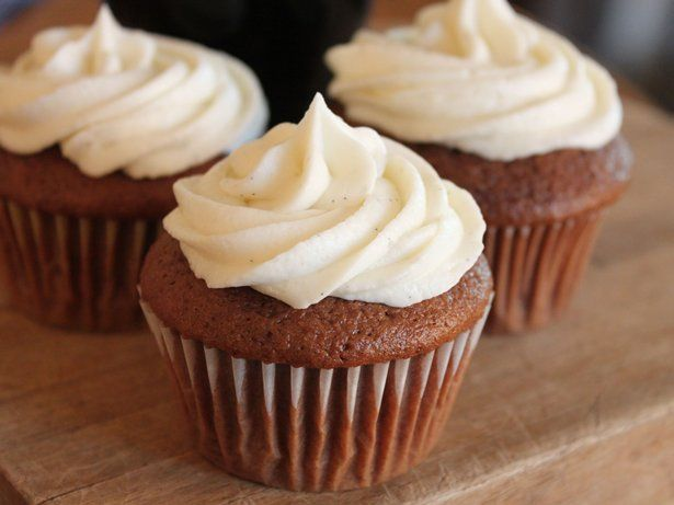 Chocolate Stout Cupcakes with Vanilla Bean Frosting | Recipe