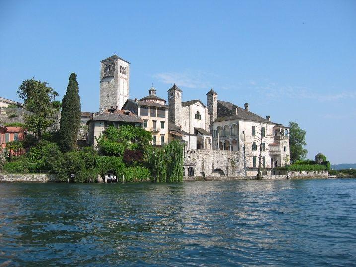 Il lago d 39 orta o cusio che si trova ad ovest del lago - Brunch fuori porta milano ...
