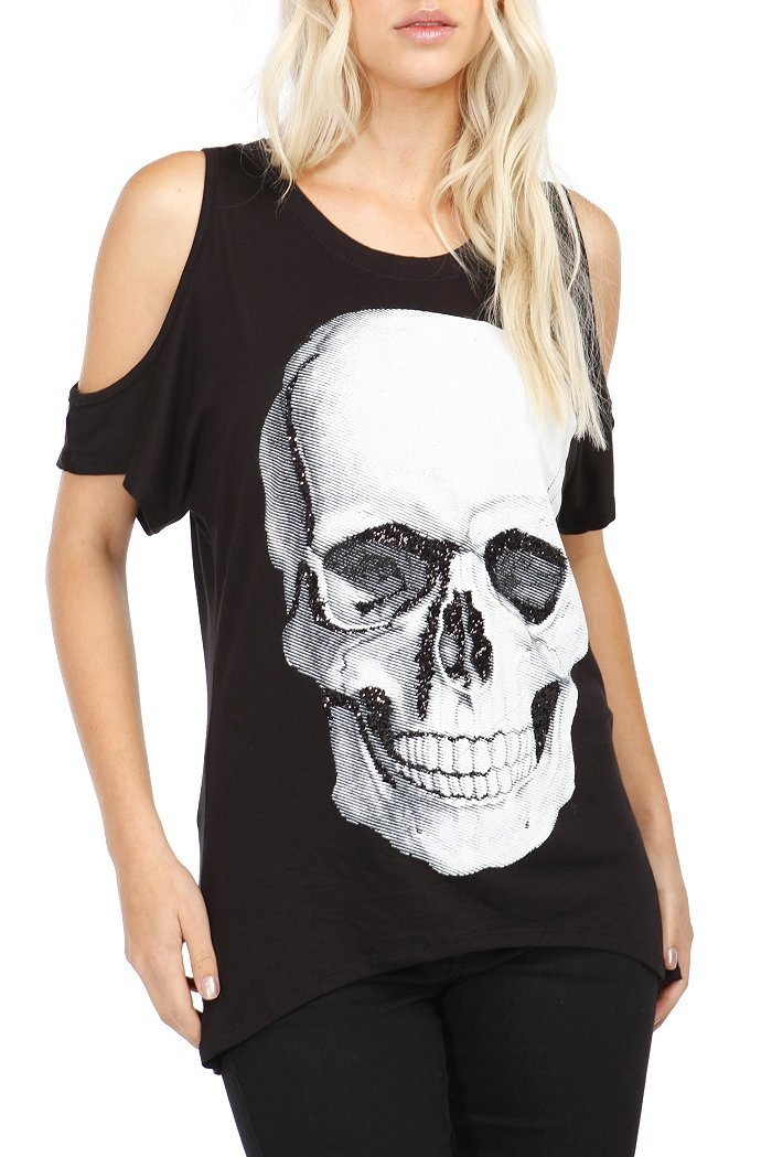 fashion topic Never miss a great hot topic coupon and get our best coupons every week about hot topic plus size juniors fashion | online exclusive hot topic has savings.