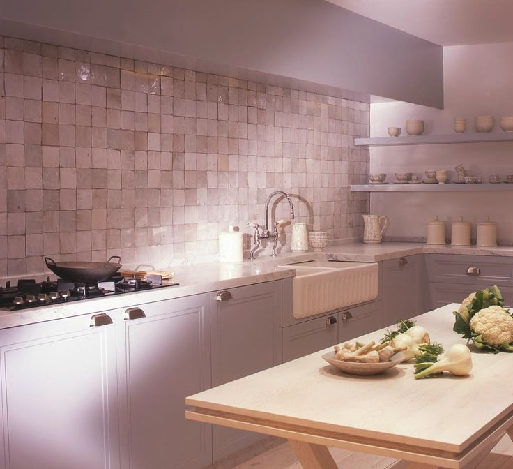 Cuisine Baden concept, crédence de zelliges blancs  zellige tile