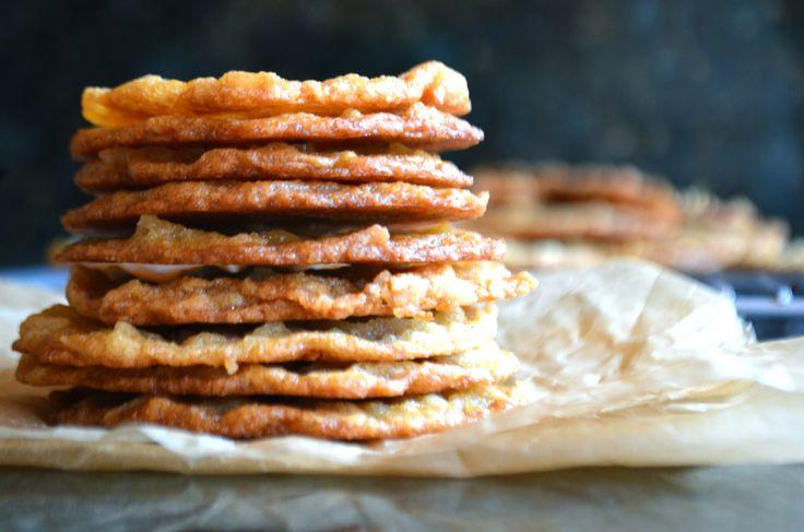 chewy & crisp coconut cookies