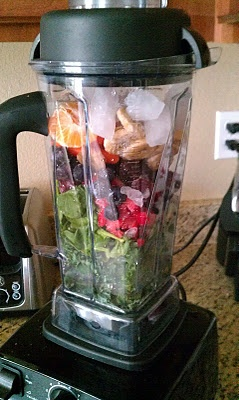 Berry Green Smoothie | Eat Yourself Skinny | Pinterest