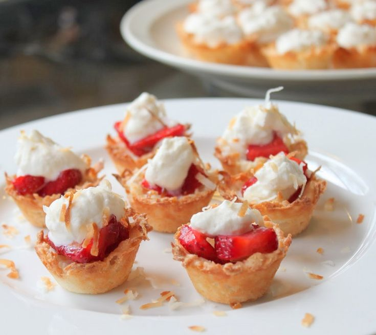 Strawberry Coconut Macaroon Tartlets | Desserts | Pinterest