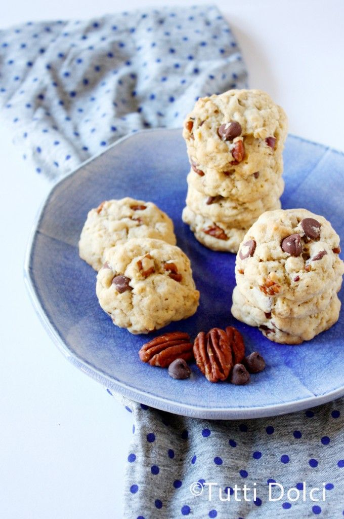 Toasted Oatmeal, Pecan, & Chocolate Chip Cookies | Tutti Dolci @Laura ...
