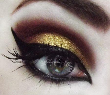 Strong black, brown and gold smokey eye  #eyes #eye #makeup #smokey #bright #dramatic