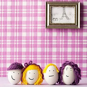 Dye-Free Easter Eggs: Egg Heads (via Parents.com) ~~ Make Easter a family affair. Disguise shells by drawing on facial features and adding yarn hair and hats.