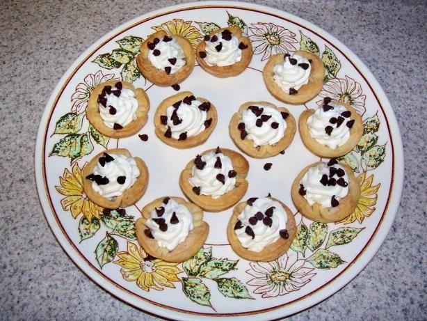 cannoli snacks made with mascarpone and ricotta