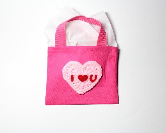 valentine's day gift bag decorating