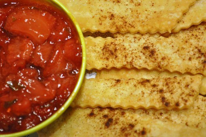 cinnamon pie chips with strawberry chutney.
