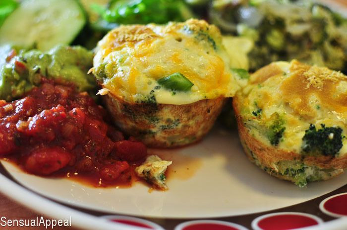 Broccoli and Cheese Baked Eggs Omelets - Healthy breakfast meals