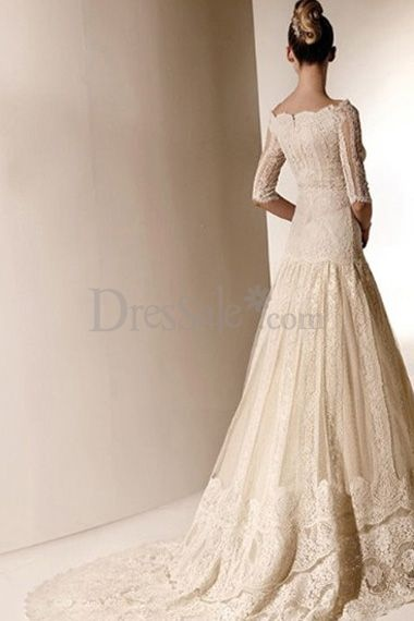 Outstanding wedding dress with dazzling lace overlay