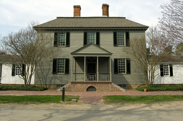 Robert Carter House Colonial Williamsburg Virginia VA  Benjamin Moore Paint: Randolph Stone + Waller Green