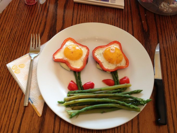 ... of cheese, topped with sunny side up eggs inside a bell pepper slice