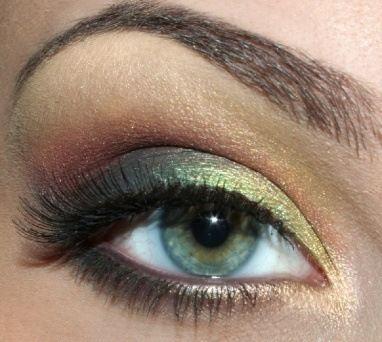 gorgeous eye makeup for green or hazel eyes!