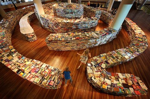 Maze made out of 250,000 books
