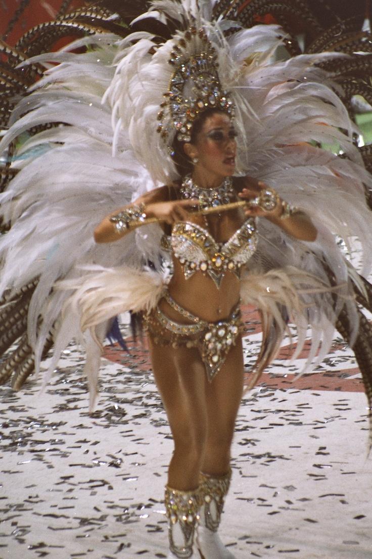 """""""""""Carnavales de Corrientes""""""""Bastonera de Ara Berá. Corrientes 2013, Argentina"""