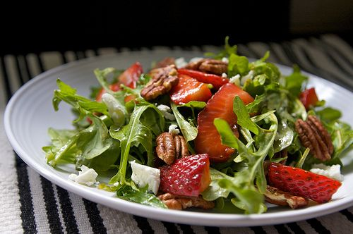 Strawberry And Arugula Salad With Grilled Halloumi Recipes ...