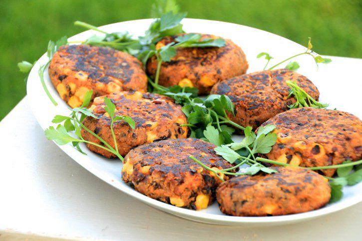 Sweet potato & black bean burgers | Healthy eating | Pinterest