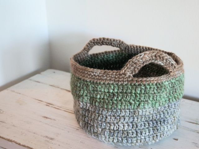 Free Patterns Crochet Baskets Bowls : Bedside Basket / Bowl Crochet~Knit~Embroidery Pinterest