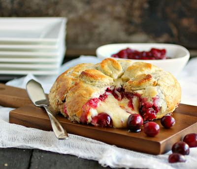 Hungry Couple: Baked Brie with Rum Cranberry Compote #CaptainsTable