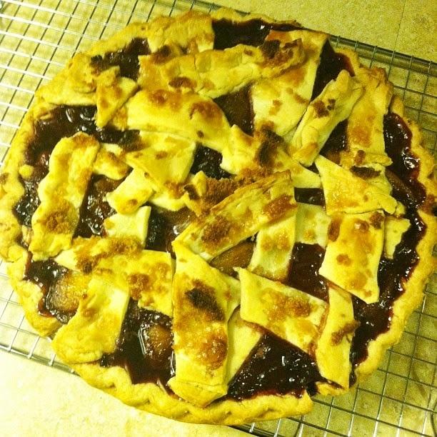 blackberry peach bourbon pie! | E A T | Pinterest
